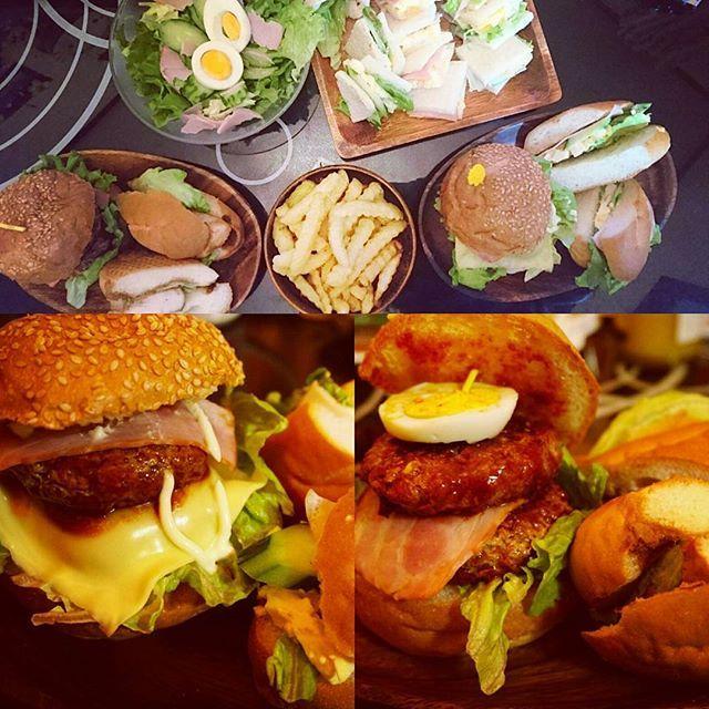 Today's  dinner 投稿中に寝落ちしてしまった笑笑 昨日の夜ごはん!アメリカンちぃっくな 手作りハンバーガー(●'w'●) パン以外は全部手作りさ~(๑•🐽•๑) ハンバーグに中華スープの素いれたら ふわふわになった♡ 旦那はペロリと完食!!!www トースターがないからフライパンでパン焼く!  #手作りハンバーガー#パティ2枚#hamburgers #American#cooking #昨日の夜ご飯 #高カロリー摂取  #旦那はコーラ付#ハンバーガー#サンドイッチ #ボリューミー#肉#パン#食べきれず #記念日メニュー#明日から質素生活 #料理 #トースターない #フライパンで焼く#意外といける #お腹いっぱい#デブコース#pork