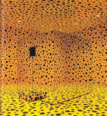 """""""Si no fuera por el arte, yo ya me hubiera suicidado""""; dijo Yayoi Kusama alguna ves en una entrevista. Actualemte vive en un hospital psiquiatrico de Tokio en su pais natal;al cual in…"""