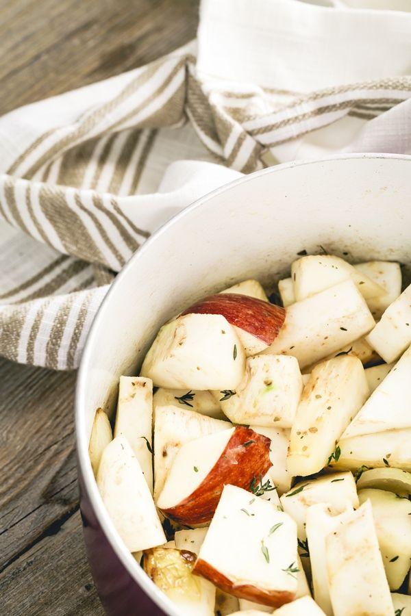 Celeriac and apple soup - Zuppa di sedano rapa, funghi e mele