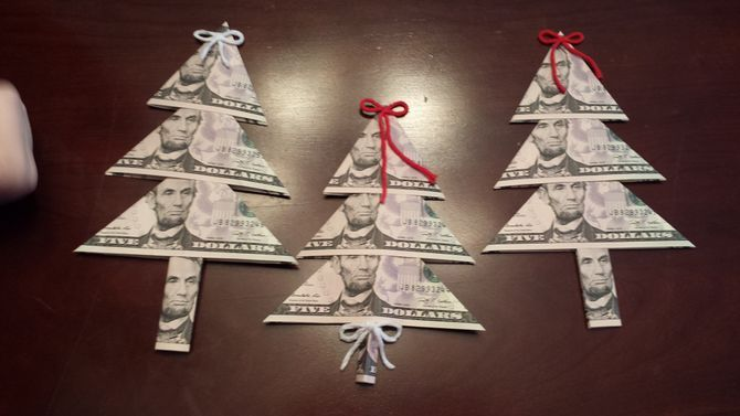 How to Fold Money for a Money Tree (with Photos)