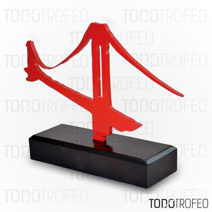 TROFEO MAPFRE.   Diseñamos los trofeos para su evento deportivo. Pide su presupuesto a través de: todotrofeo@todotrofeo.com    MAPFRE TROPHY.  We design your sport event trophies. Request your budget in: todotrofeo@todotrofeo.com