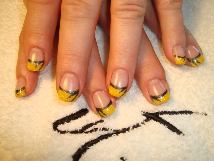 yellow with black swish and sparkly fun