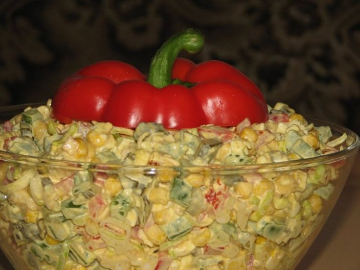 Extra sałatka z kurczakiem i kukurydzą