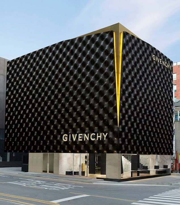 Givenchy | store