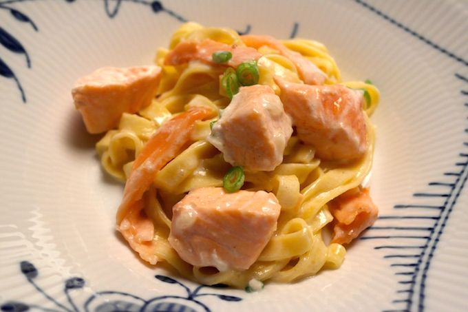 Salmon Pasta with two kinds of pasta - a perfect, quickly made weekday recipe www.FoodFamily.net