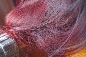 Si vous cherchez à avoir de magnifiques reflets dans votre crinière, je vous conseille le henné bordeaux de la marque Yogi Globals ! Cette coloration est juste dingue, mes cheveux sont de couleur rouge bordeaux au soleil, brun violine à l'ombre... Le henné c'est la vie ! #cheveux #colorationvegetale #henne