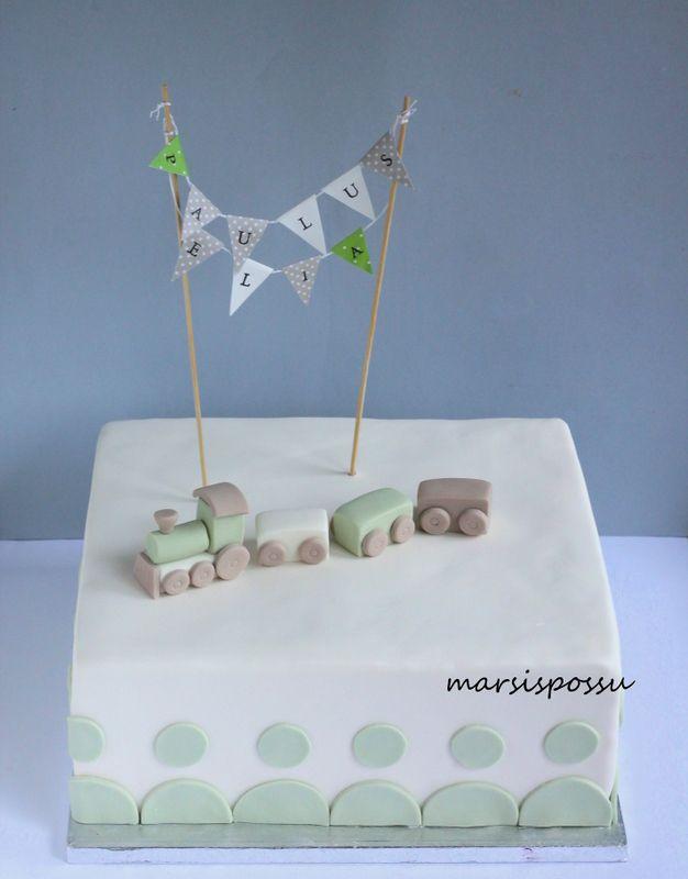 Marsispossu: Ristiäiskakku lippuviirin somistettuna, Christening cake for baby boy