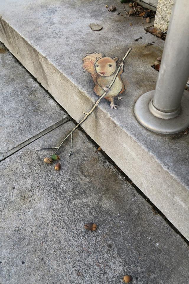 Street art by David Zinn in Michigan, USA http://restreet.altervista.org/le-divertenti-creature-di-david-zinn/