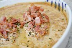 I fredags svängde jag ihop denna enkla men väldigt goda kycklingrätt med knaperstekt bacon och balsamvinägersås. Såsen består bara av några få ingredienser som balsamvinäger, grädde, kycklingfond och…