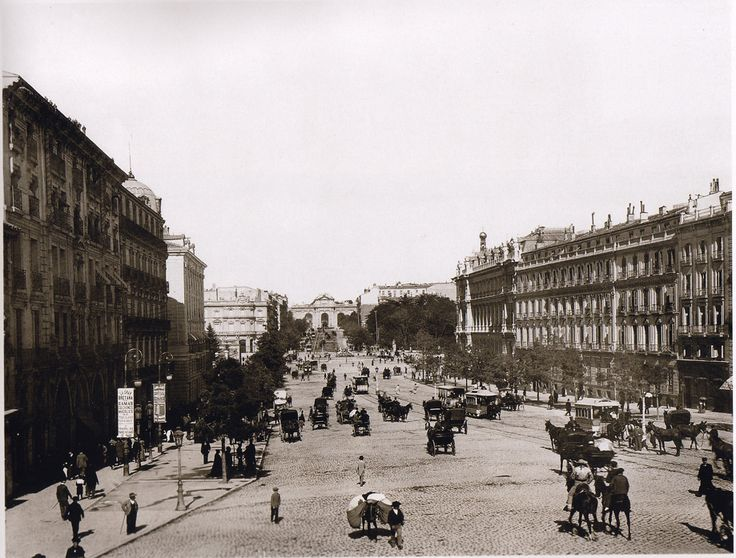 Increíble, ¡¡Un picador en su caballo, paseando por la calle de Alcalá!! Imágenes del viejo Madrid