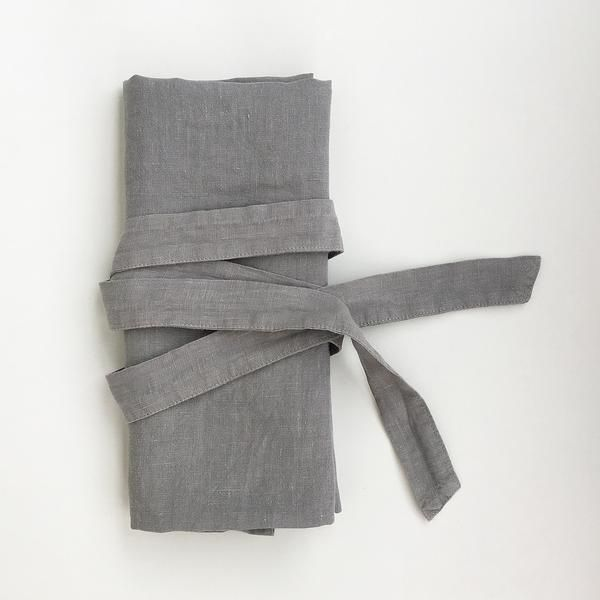Waist linen apron in dark grey #linen #naturalmaterial #grey #kitchen #apron #cooking #hnstly #vydravolkmer