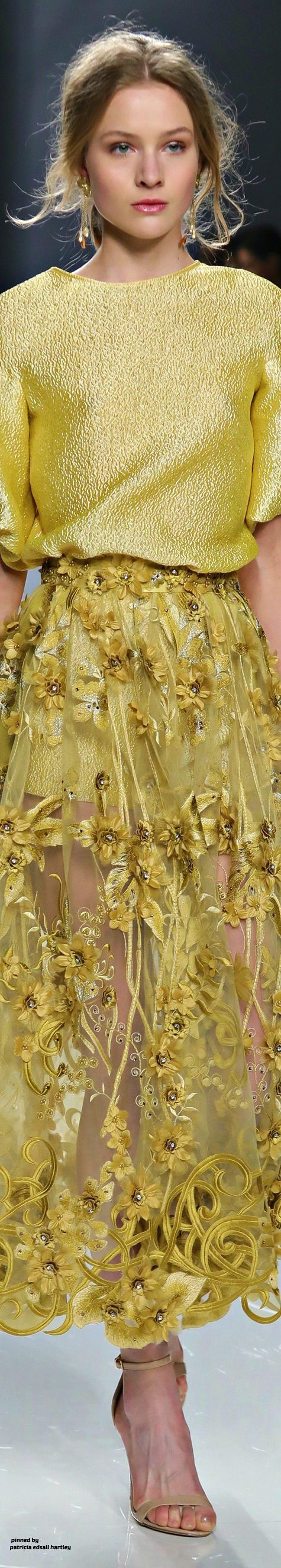 Carla Ruiz Spring 2018 yellow over yellow lace