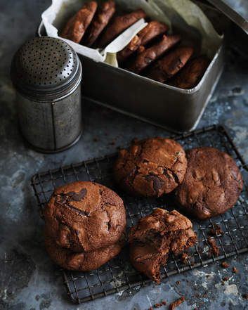 Dan Lepard's date and ginger chocolate chip biscuits are a cross between a ginger snap and a regular chewy American-style cookie.