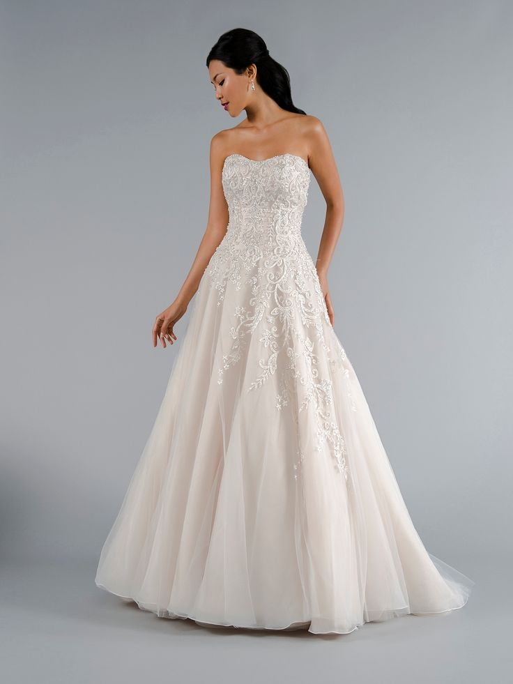 126 best wedding dresses images on Pinterest   Wedding frocks ...