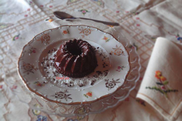 Il budino al cacao e cocco con agar agar è davvero goloso! Inoltre è senza glutine e se si usa un latte vegetale diventa un budino vegano!