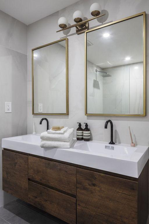 214 11th St, Brooklyn, NY 11215 | Zillow | Master bathroom ...