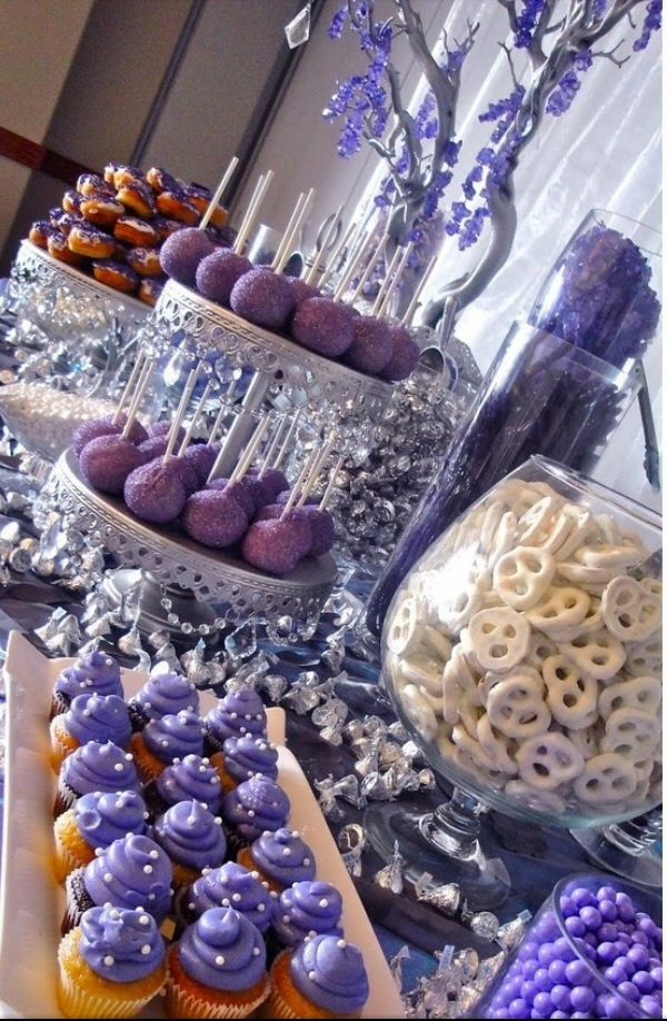 Candy bar babyshower purple party planning ideas - Sideboard lila ...