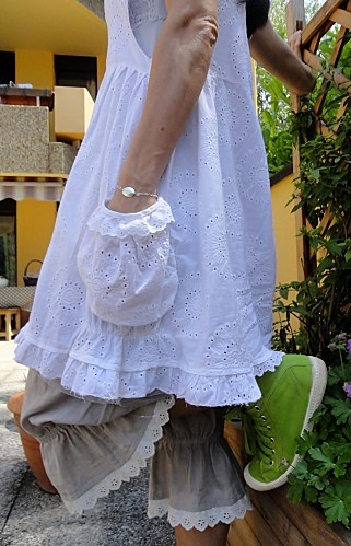 Love the dress and bloomers ; NO to the green shoes...