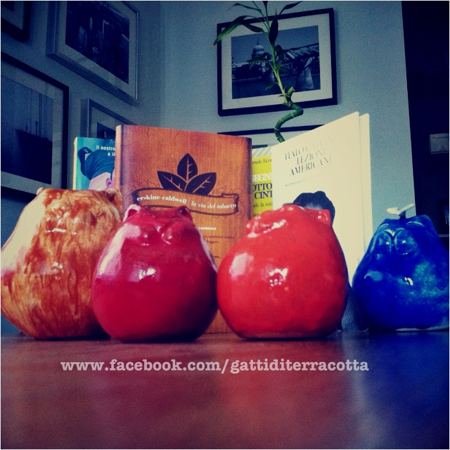 """GATTI DI TERRACOTTA""™ a beautiful heartfelt italian work Hand worked Cats / Italian unique glazed Ceramics / all sizes and prices   www.facebook.com/gattiditerracotta ✨✨✨✨✨✨✨✨✨✨✨✨✨  www.pinterest.com/alphagatto  #TheMinimals #ItalianHandMade"
