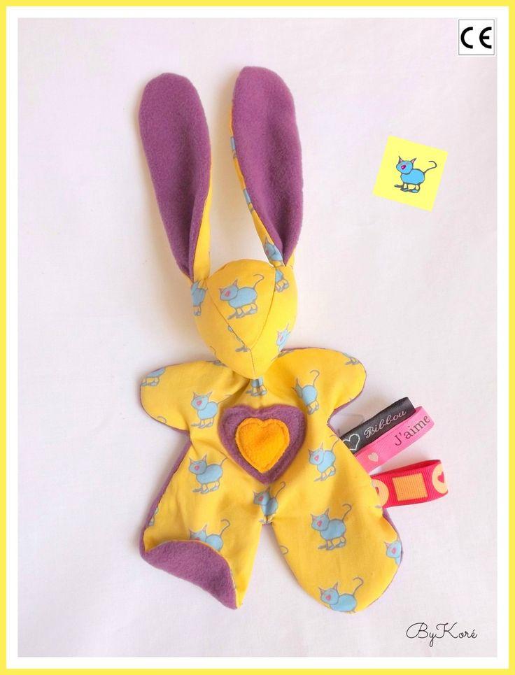 Doudou lapin Moubbi ,°°Chatchat°° , doux, Original Fait main . Un cadeau de naissance unique : Jeux, peluches, doudous par kore-and-co