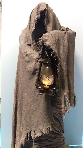 Monster Mud Grim Reaper -- Chicken wire armature w burlap