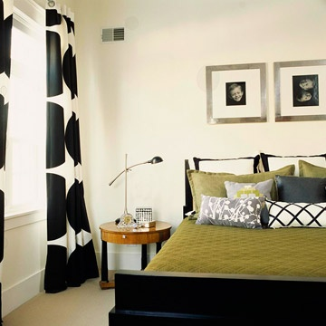 Play with Pattern Size: Colors Combos, Beds Rooms, Guest Bedrooms, Boys Bedrooms Decor, Boys Rooms, Master Bedrooms, Window Treatments, Boys Bedrooms Design, Patterns Size