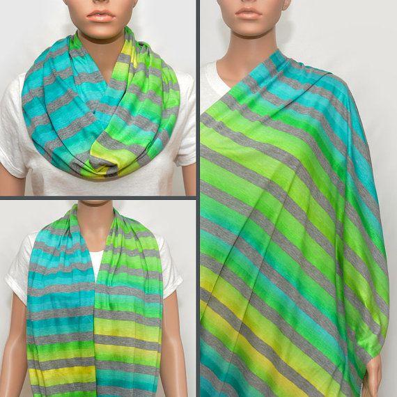 Foulard infini gris avec des rayures jaunes, verts et turquoises colorés soins infirmiers couverture écharpe, couverture de lallaitement,