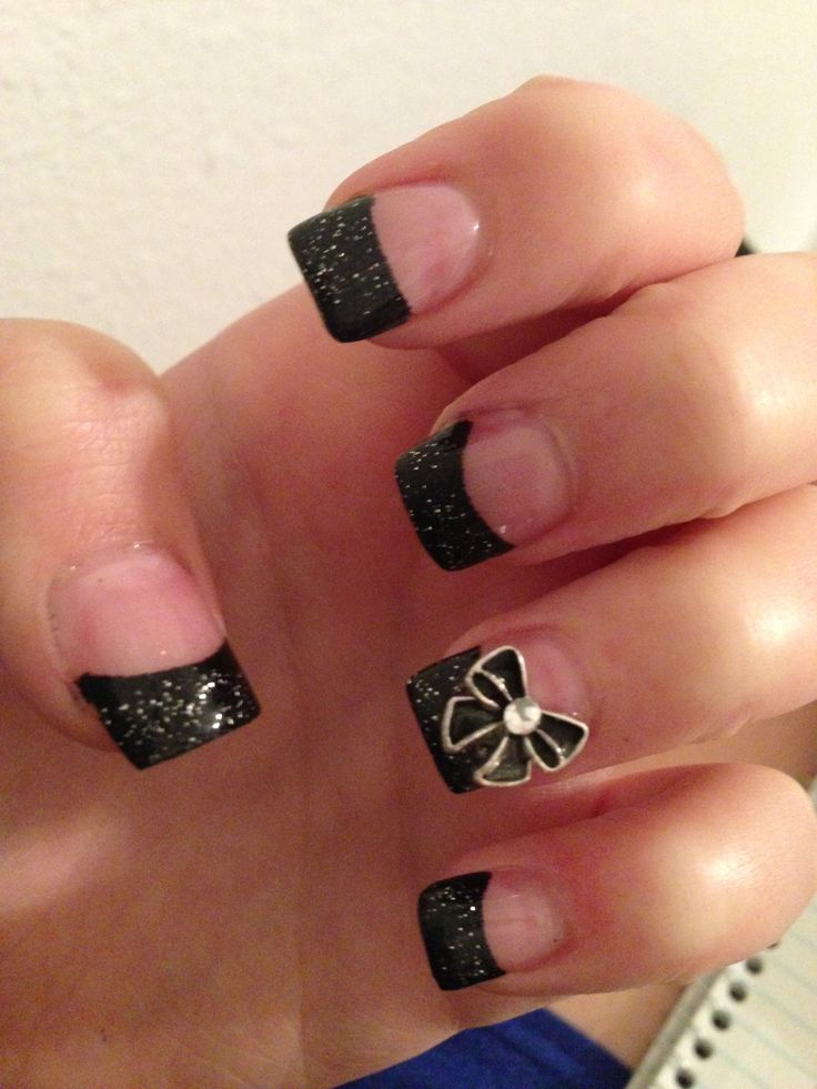 Acrylic nails black tips with bow
