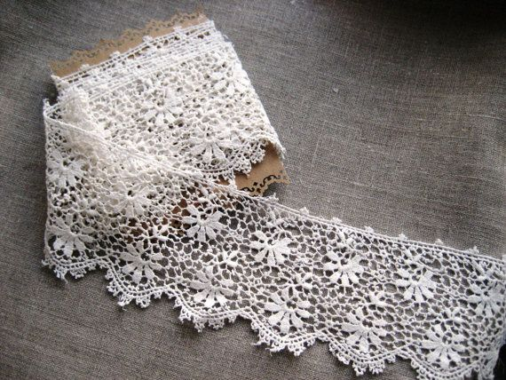 French Vintage Lace with Flower Design and by Chezpetitpica, €6.00