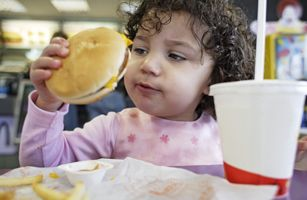 Study: Fast-Food Ads Target Kids with Unhealthy Food, and It Works