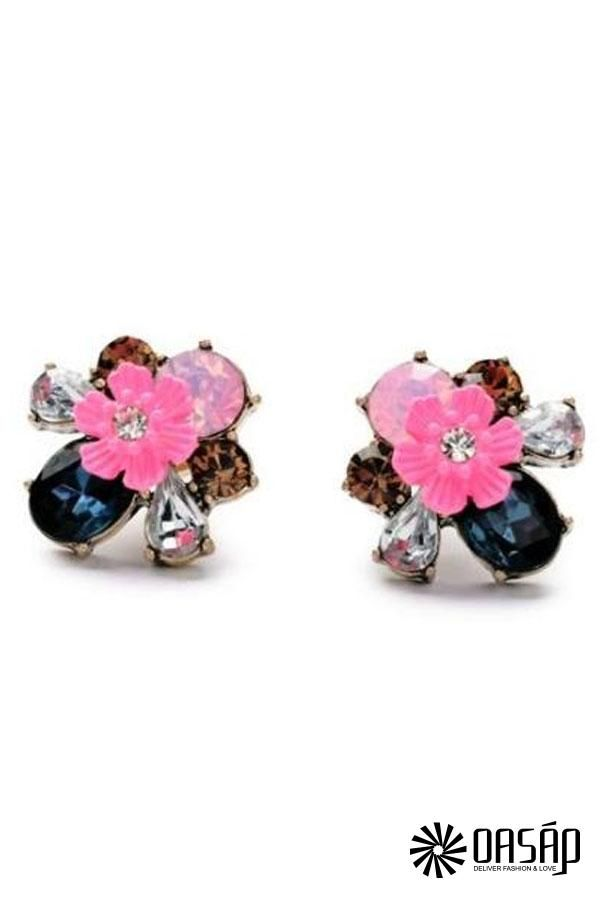 The stud earring featuring mixed faux stone embellishment. Floral pattern. Post back.