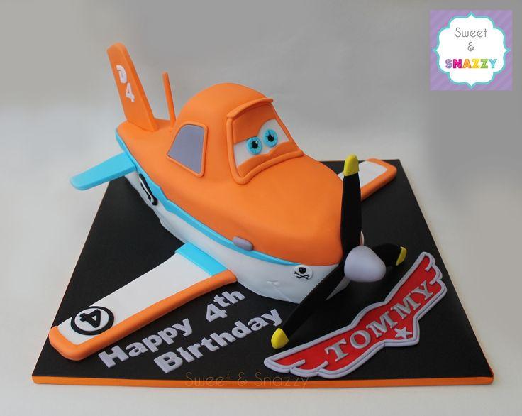 Planes cake - Dusty Cake - Dusty Crophopper Cake by Sweet & Snazzy https://www.facebook.com/sweetandsnazzy