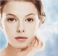 Cream Pemutih Wajah Yang Aman Mempunyai kulit Putih terutama wajah adalah dambaan banyak orang, terutama untuk wanita indonesia. Wanita indo...