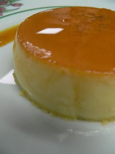 """750g vous propose la recette """"Crème renversée au caramel"""" notée 4/5 par 33 votants."""