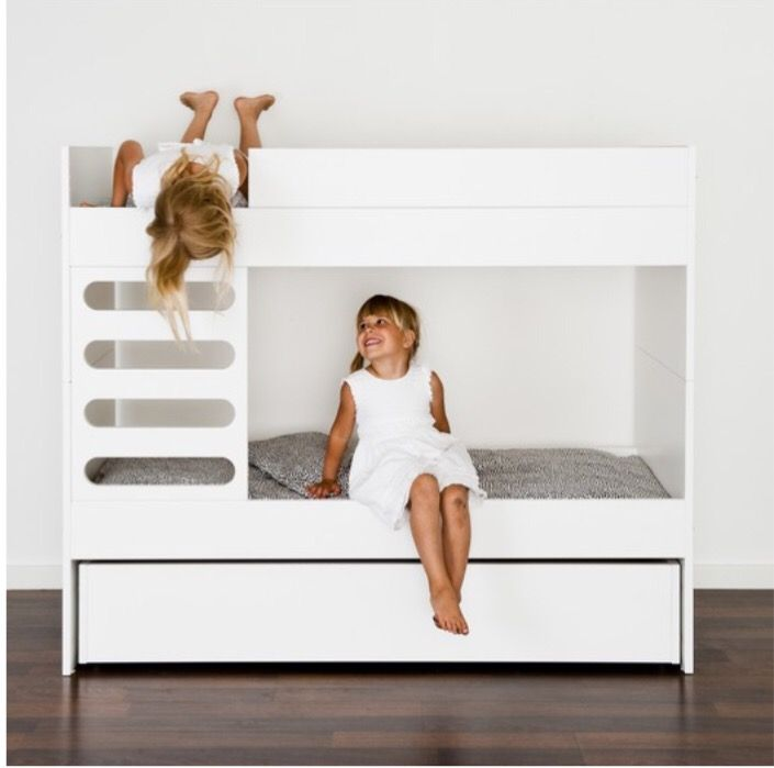Bunk bed by Ava Room