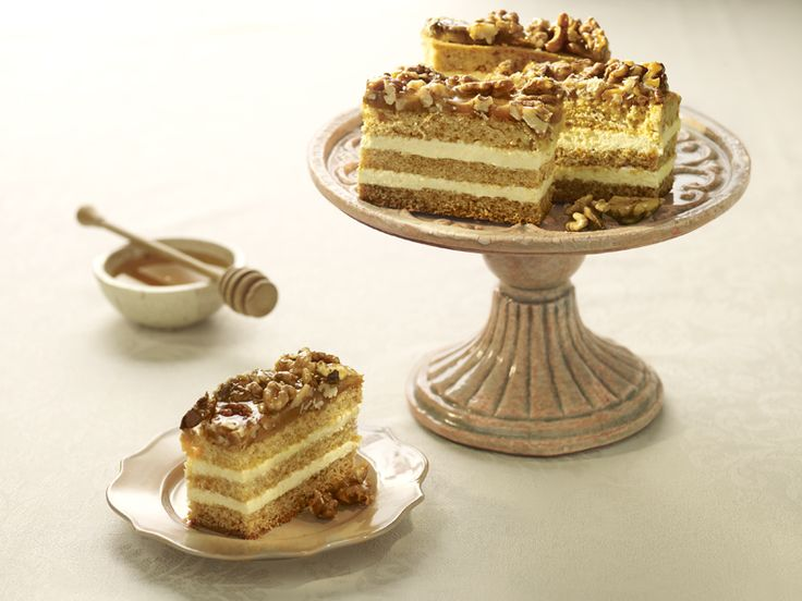 6.1-Honey-cake-with-walnut-cream-1