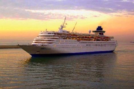 Εν όψει οικονομικής κρίσης, φέτος, οι διακοπές των περισσότερων Ελλήνων θα είναι πιο ολιγοήμερες από ποτέ! Καθώς όλοι αναζητούμε τις πλέον οικονομικές διακοπές, οι κρουαζιέρες της Louis Hellenic Cruises φαντάζουν ως η ιδανική και συνάμα συναρπαστική απόδραση, με υψηλό επίπεδο παροχών, αλλά και χαμηλό κόστος.    Με τρία διαφορετικά πακέτα, για να επιλέξετε αυτό που ανταποκρίνεται καλύτερα στις ανάγκες και το βαλάντιό σας, τα πολυτελή κρουαζιερόπλοια της Louis Olympia & Louis Cristal αναχωρούν…
