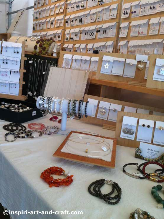17 best images about craft show tips on pinterest craft for Craft show jewelry display