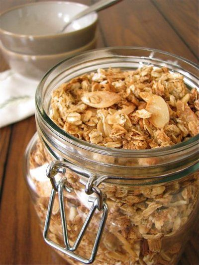 Almond and coconut macaroon granola. | Breakfast | Pinterest