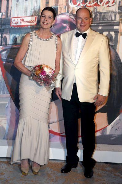 La princesse Caroline de Monaco aux bals de la Rose en 2016 avec le prince Albert II