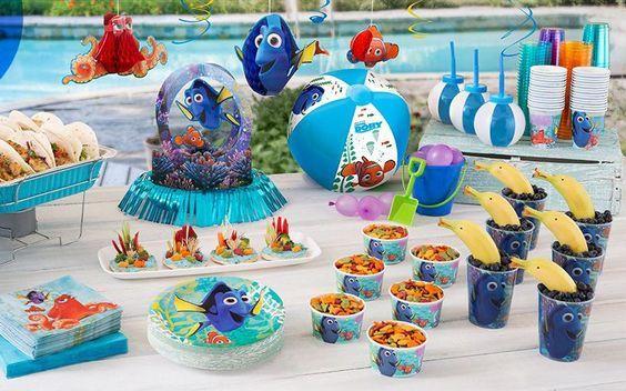 Festa Procurando Dory: Confira ideias e inspirações lindas para organizar uma festa da peixinha mais amada e desmemoriada do oceano.