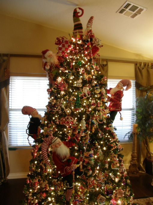 The elves in the tree are really clever!