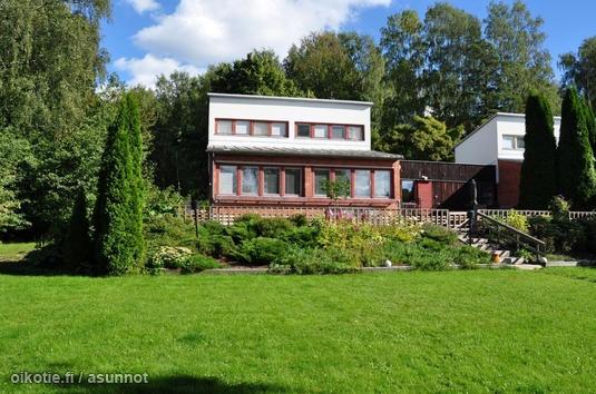 Myynnissä - Rivitalo, Tapiola, Espoo: Menninkäisentie - West-House LKV [A] | Oikotie  Arkkitehti: Aulis Blomstedt