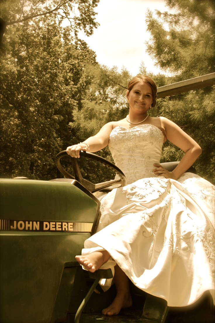 What A Wonderful Photo Idea A Country Girl On A Country