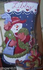 Bucilla Juerga de Compras De Fieltro De Navidad Kit De Siembra Raras 85433 Girl Dama Red Hat