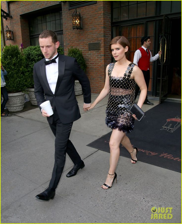 Kate Mara & Jamie Bell Are a Hot Couple at Met Gala 2016! | kate mara jamie bell couple up at met gala 2016 05 - Photo