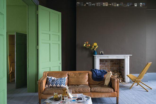 Relooker le salon avec des couleurs soutenues