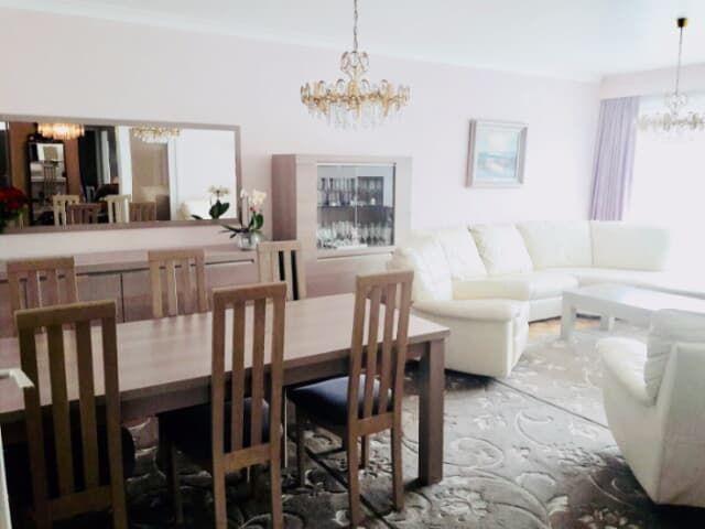 Licht appartement 3 slk + buitenparking + kelder Appartement te koop - Merksem - Trovit Huizen