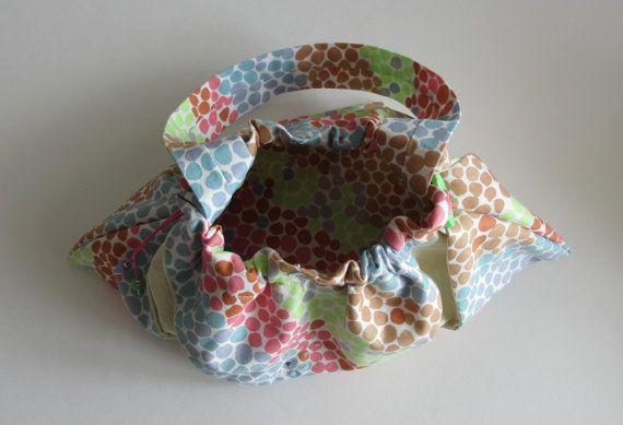 Sac multicolore en tissu pour petites filles coquettes