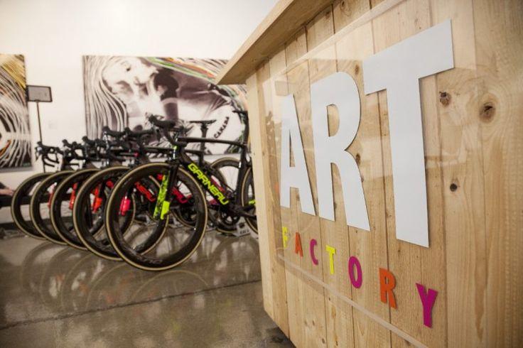 Louis Garneau financera son équipe cycliste avec ses œuvres d'art